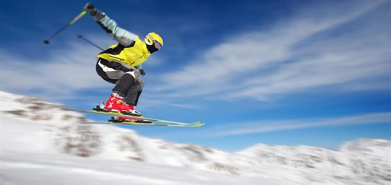 Montagna: neve, sci e tanto divertimento!
