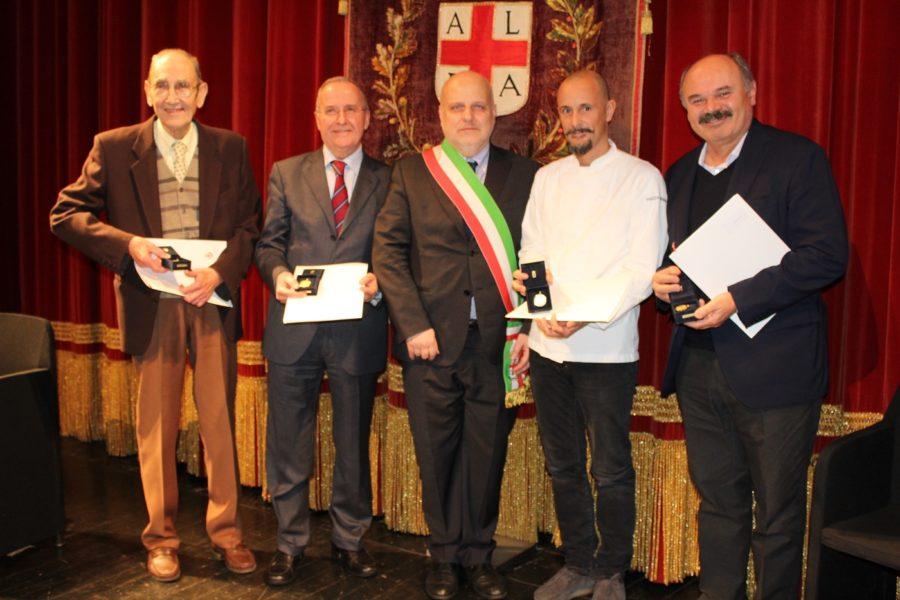Alba, Crippa e Farinetti premiati dalla città