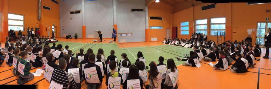 Alba, le scuole elementari a M'illumino di meno