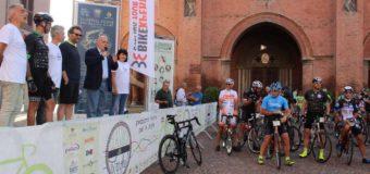 Alba, un centinaio di cicloturisti alla Classica delle Langhe