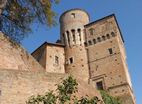 Roddi, al Castello torna l'arte con una mostra dell'artista astigiano Ezio Ferraris
