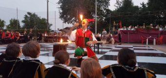 Asti, nel fine settimana alla Douja protagonisti gli Enoscacchi viventi