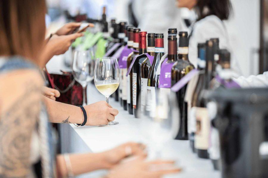 Asti, torna la Douja D'Or, riparte il mondo del vino dopo il lock down