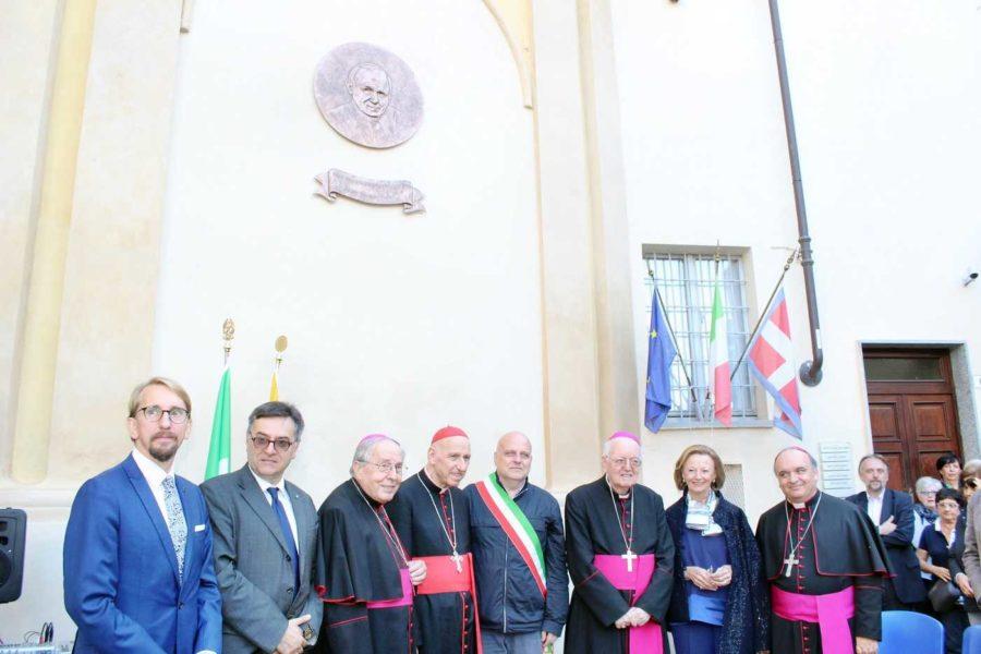 Alba, una piazza intitolata al Papa Giovanni Paolo II