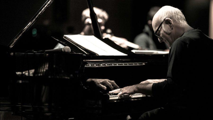 Alba, a marzo Ludovico Einaudi in concerto al teatro sociale
