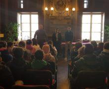 Asti, le scuole visitano il Comune per conoscere le istituzioni