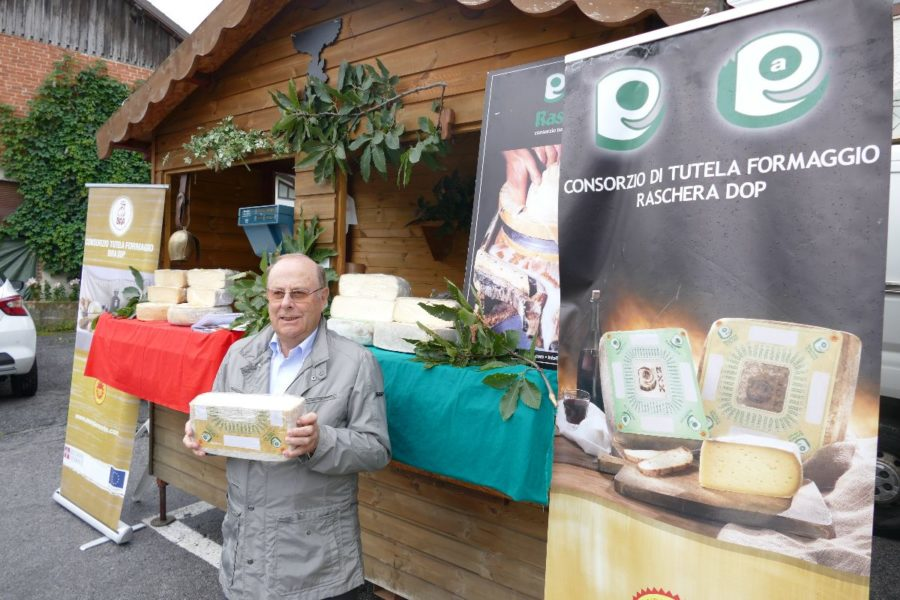 I Consorzi dei formaggi Bra e Raschera si gemellano con la Fontina dop