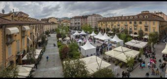 Alba, turisti da tutto il mondo per la partenza di Vinum