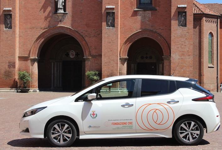 Alba, nuova auto elettrica in dotazione al Comune