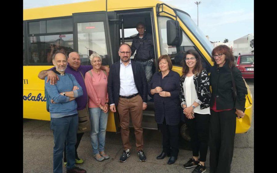 Asti, il sindaco ha salutato allievi e volontari del Piedibus