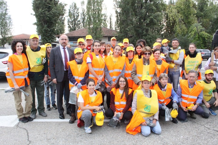 Asti, grande partecipazione a Puliamo il mondo, tanti i rifiuti raccolti