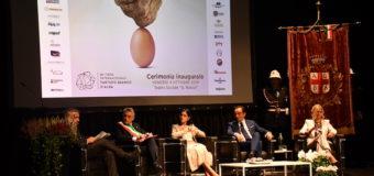 Alba, Il presidente della Regione Cirio e il ministro Dadone all'inaugurazione della Fiera del Tartufo