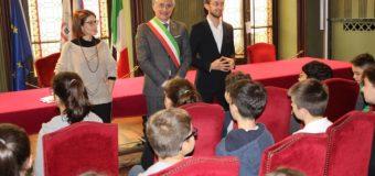 Alba, gli alunni della Primaria Michele Coppino in visita al Palazzo comunale