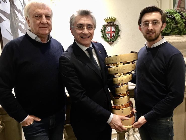 Alba, la città inizia a prepararsi per la partenza della tappa del Giro d'Italia