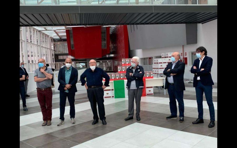 Dalla Fondazione Nuovo Ospedale Alba-Bra una bottiglia di vino a tutti i dipendenti dell'Asl Cn2