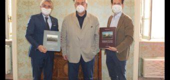 Alba, presentato in Municipio un libro su Grinzane, la sua storia e il presente