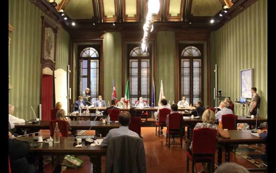 Alba, Consiglio comunale aperto sulla crisi della Stamperia Miroglio di Govone