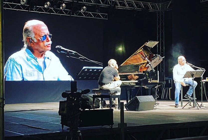 Alba, Gino Paoli ha concluso il Festival Grazie, dedicato a chi ha lottato contro il Covid-19