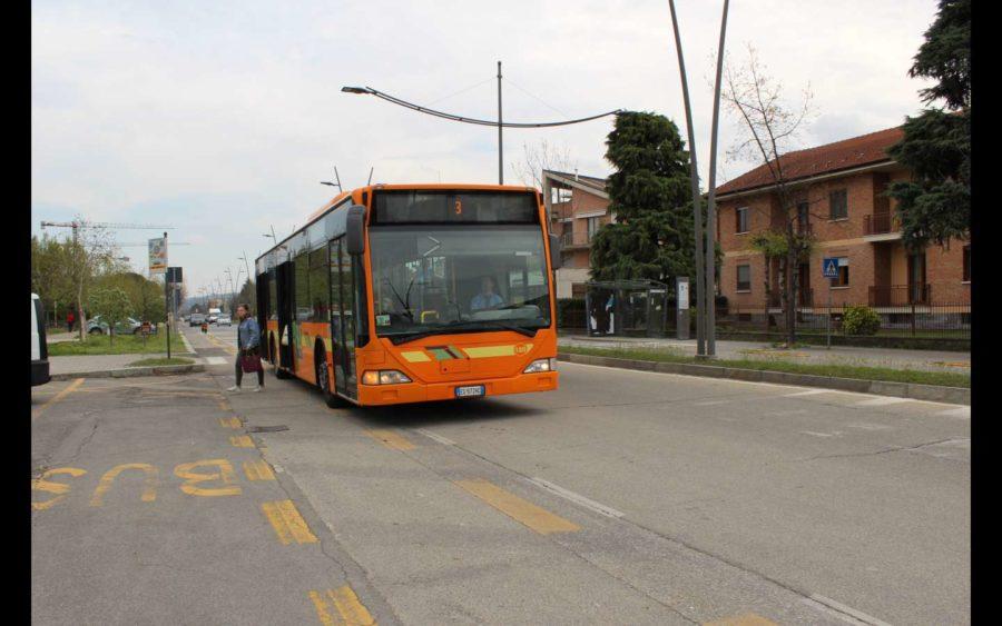 Alba, corse aggiuntive di autobus per garantire il trasporto scolastico
