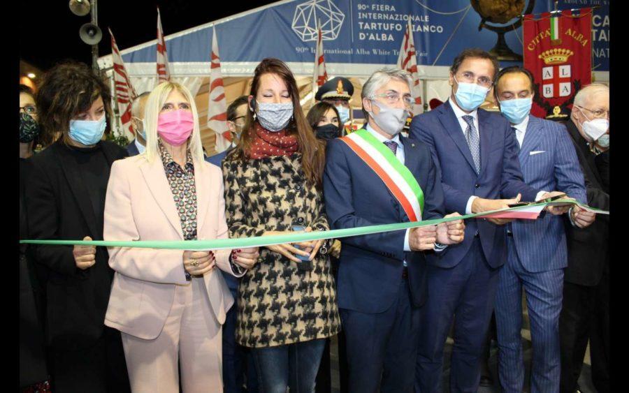 Alba, inaugurata la Fiera internazionale del Tartufo Bianco, alla presenza del ministro Boccia