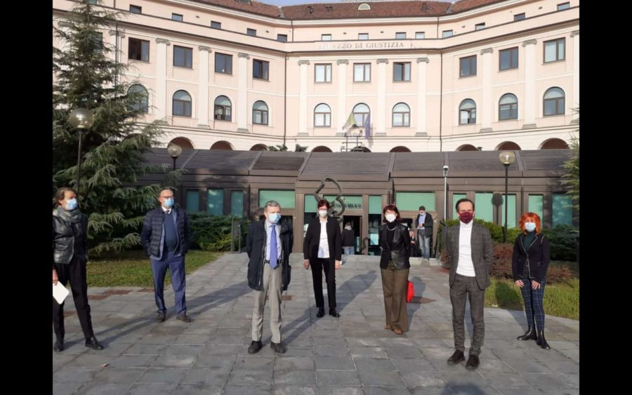 Asti, nel Palazzo di Giustizia una mostra contro la violenza sulle donne