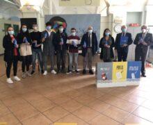 Alba, 5000 borracce agli studenti delle Superiori per tutelare l'ambiente