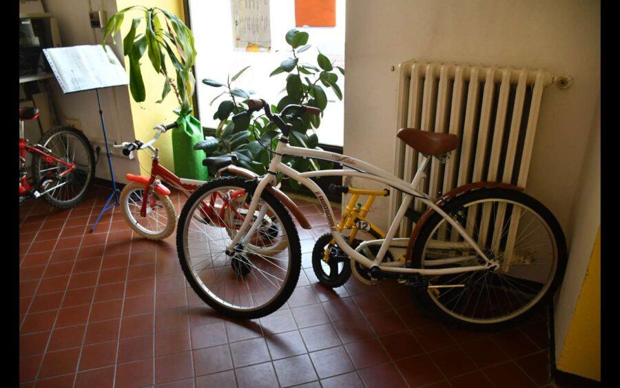 """Asti, si consegna la 100esima bicicletta per il progetto """"Dona-bici"""""""