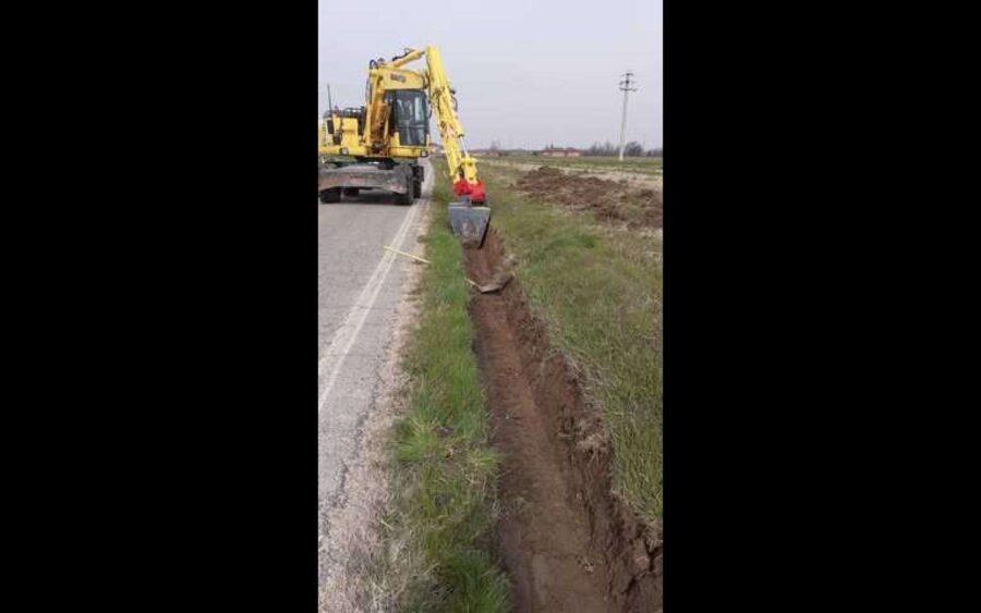Asti, lavori su fossi e banchine delle strade da parte della Provincia