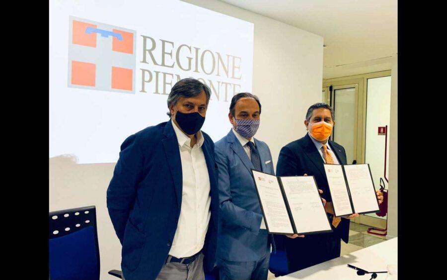 Accordo fra Piemonte e Liguria, i piemontesi portranno vaccinarsi in vacanza nella regione vicina