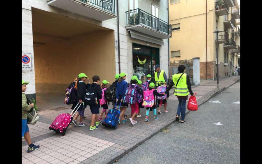 Alba, con l'avvio dell'anno scolastico riparte Piedibus