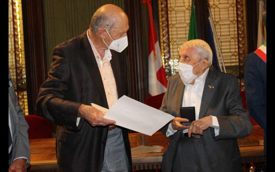 Alba, a Giovanni Bressano la medaglia Staufer dello Stato del Baden-Württemberg in Germania
